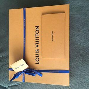 Louis Vuitton Bags - Authentic LV Monogram Carmel Flower Tote